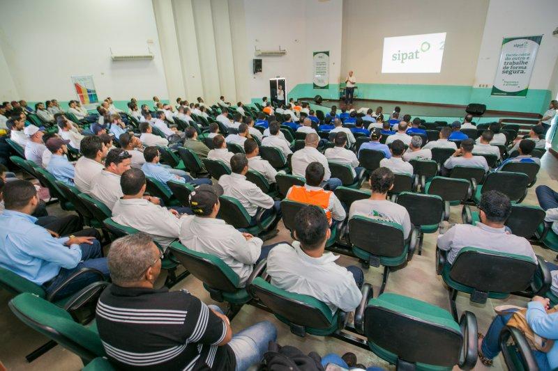 Mais de 2.000 colaboradores participaram da programação que contou com palestras sobre segurança no trabalho e saúde, treinamentos e a 4ª edição do Concurso de Paródias. (Divulgação/Veracel)