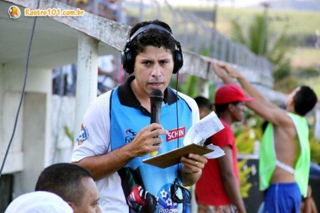 Luciano Silva é o idealizador do projeto da Rádio Comunitária em Itagimirim. (Foto: Rastro101)
