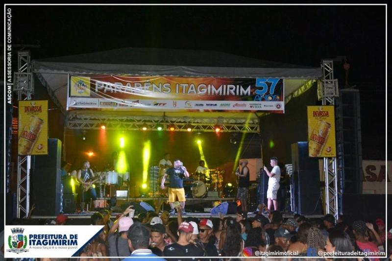 Niltinho e Banda Axé Pop, uma das atrações da noite. (Ascom-Itagimirim)