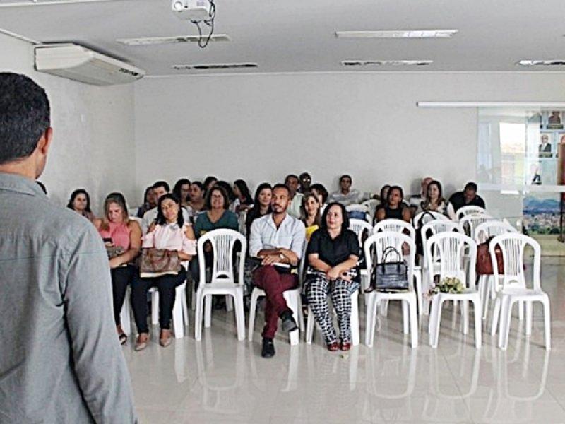 Dirigentes municipais de educação e técnicos dos municípios da Costa do Descobrimento participaram das palestras (ASCOM)