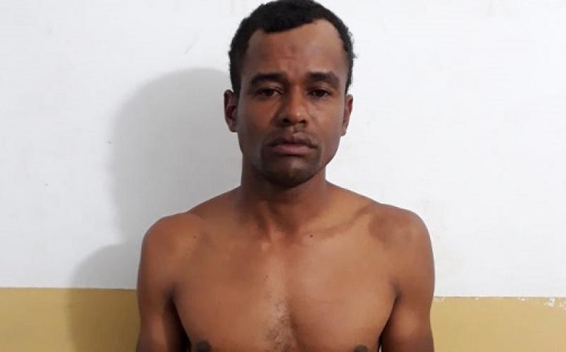 Edvan está custodiado provisoriamente na delegacia local. (Foto: Divulgação)