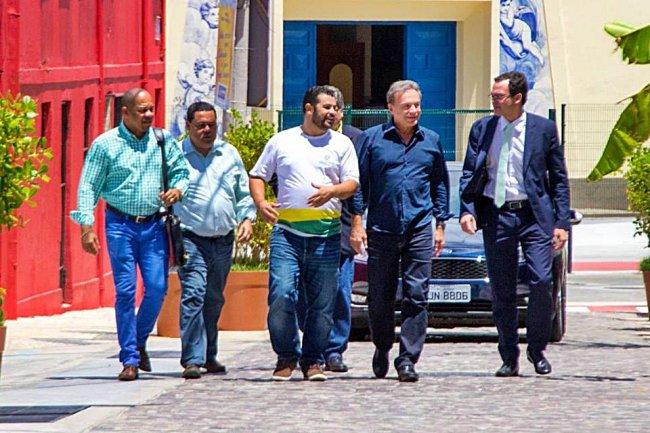 Deris se reuniu com várias lideranças políticas em Salvador. (Divulgação)