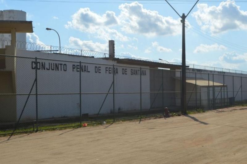 Acusado foi conduzido parao Conjunto Penal de Feira de Santana. (Reprodução: Internet)