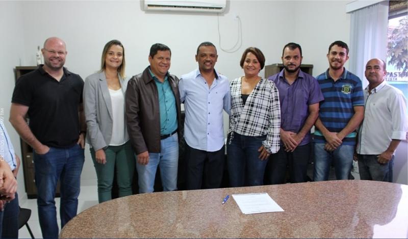Sildean Muniz se junta à equipe de secretários de Devanir Brillantino. (Ascom-Prefeitura de Itagimirim)