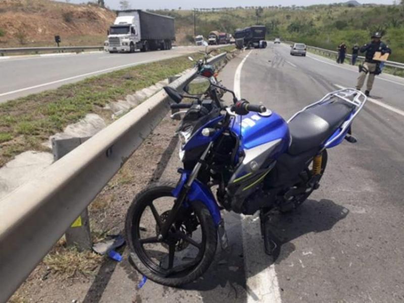 Motociclista morreu na hora. (Reprodução: A Tarde)