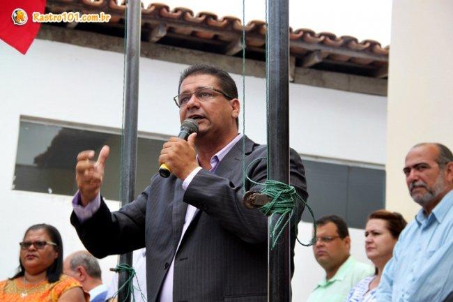 Prefeito Rogério Andrade destacou a importância de se investir nos jovens de Itagimirim. (Foto: Rastro101)