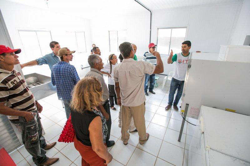 O projeto Roça do Povo, na comunidade de União Baiana possui como principais fontes de renda o cultivo da mandioca, a produção da farinha e subprodutos como biscoitos, bolos, goma e pães. (Divulgação)
