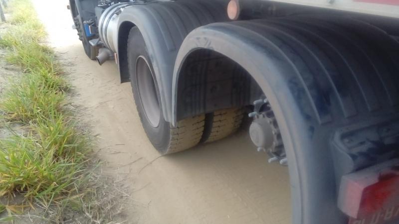 Bandidos levaram 18 pneus. (Foto: Ed Santos/Itiruçu Online)