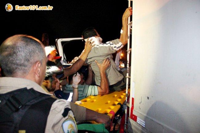 Motorista foi atendido pelo SAMU de Itagimirim e encaminhado ao Hospital Regional em Eunápolis. (Foto: Rastro101)