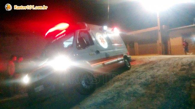Veículo derrapou em uma rampa de barro no final de uma rua. (Foto enviada por um  internauta, via WhatsApp)