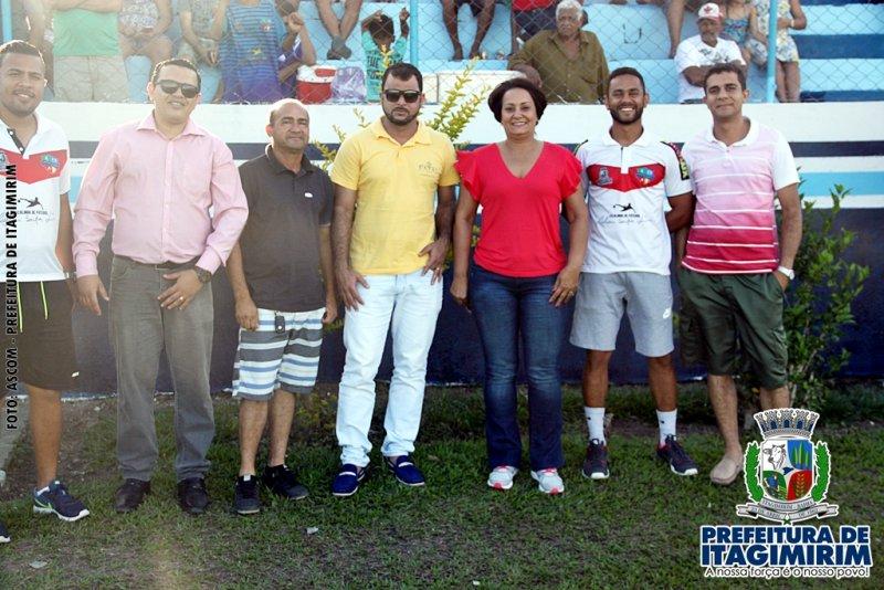 Prefeita Devanir Brillantino e sua equipe prestigiaram o evento. (ASCOM)