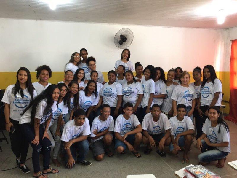 Veracel Celulose em parceria com o Senac abriu uma nova turma do curso de Assistente Administrativo. Dessa vez, os contemplados são jovens do distrito de Barrolândia, no município de Belmonte. (ASCOM/VERACEL)