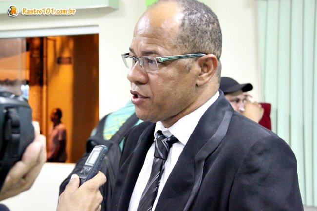 Vereador Derisvaldo da Silva Bonfim foi eleito presidente da Câmara de Vereadores de Itagimirim. (Foto: Rastro101)