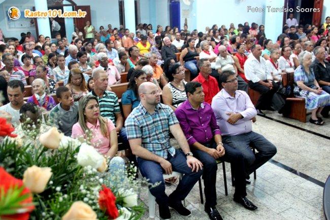Igreja Católica recebeu fieis e representantes da sociedade. (Foto: Tarcísio Soares/Rastro101)