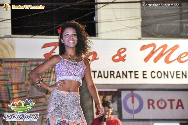 Vanessa, vencedora do concurso Beleza Negra de Itagimirim. (Foto: Rastro101)