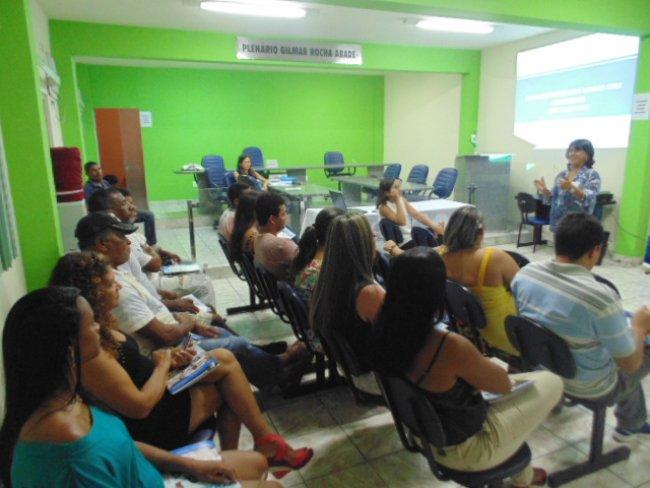 A palestra sobre como aumentar as vendas com criatividade foi uma realização da Prefeitura de Itagimirim, por meio da Secretaria de Desenvolvimento Social, em parceria com o Serviço Brasileiro de Apoio às Micro e Pequenas Empresas (Sebrae). (ASCOM)