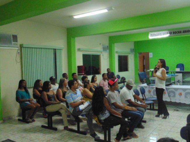 A capacitação foi ministrada por Ellen Tiago, administradora de empresas e consultora do Sebrae em Planejamento Estratégico, Marketing e Recursos Humanos. (Ascom)