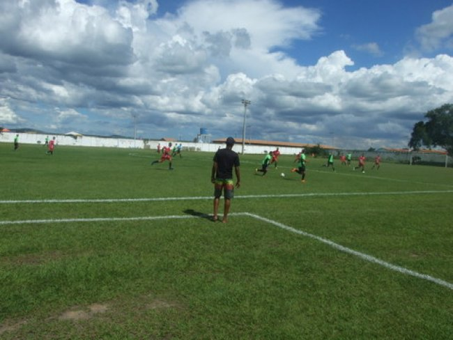 As equipes Flamengo e América abriram a competição, sendo seguidas pelo segundo jogo entre Vasco e Rondon. (Foto: ASCOM)