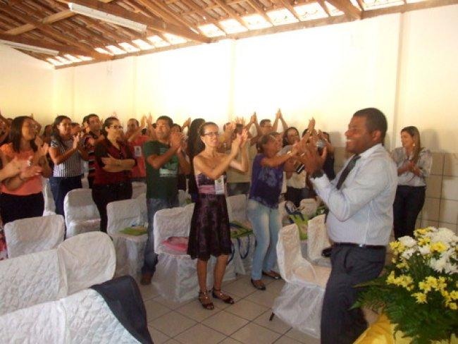 Professores participaram de palestra motivacional com o  especialista em gestão organizacional, professor Joval Lacerda. (Foto: ASCOM))