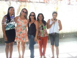 Renata recebeu homenagem das colegas do Conselho Tutelar de Itagimirim. (Foto: ASCOM)