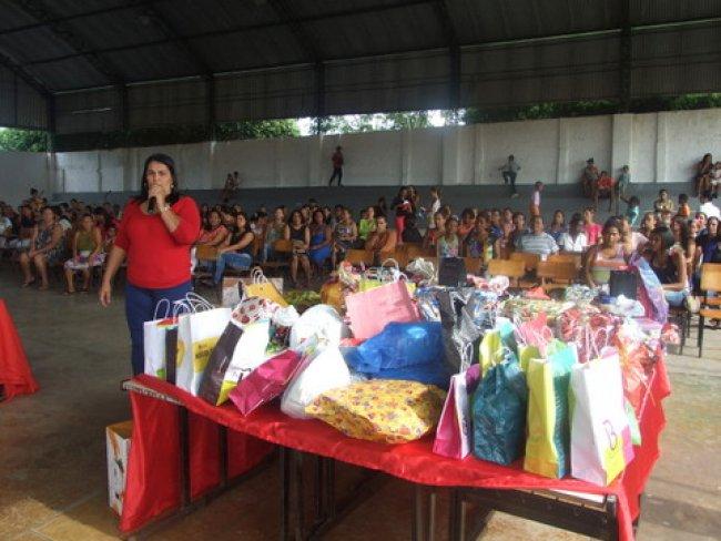 Devido adaptação de calendário a Escola Municipal Othoniel Ferreira, em Itagimirim, comemorou o Dia das Mães nessa sexta, 15. (Foto: ASCOM)