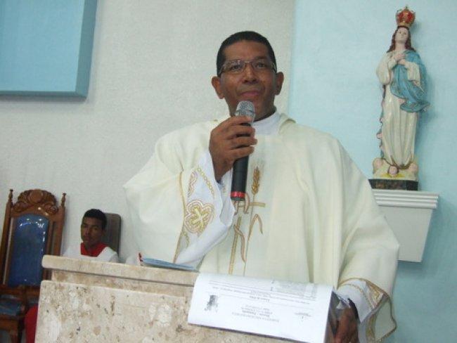 Padre da Igreja Católica de Itagimirim, Wanderley Ferreira. (Foto: ASCOM)