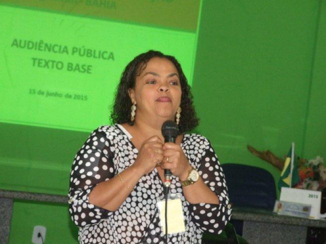 Para a Audiência Pública foi convidada a palestrante Srª Cláudia Cristina Pinto Santos, mestre em Família na Sociedade Contemporânea e avaliadora educacional do PROAM/SEC, UNDIME E SASE/MEC. (Foto: ASCOM)