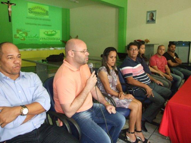 O secretário Leopoldo enfatizou o cumprimento da Prefeitura no atendimento à lei que rege a classes trabalhadores da área. (ASCOM)