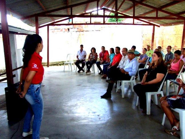 Muitas pessoas estiveram na sede do CRAS para conhecer mais detalhes sobre o Programa. (Foto: ASCOM)