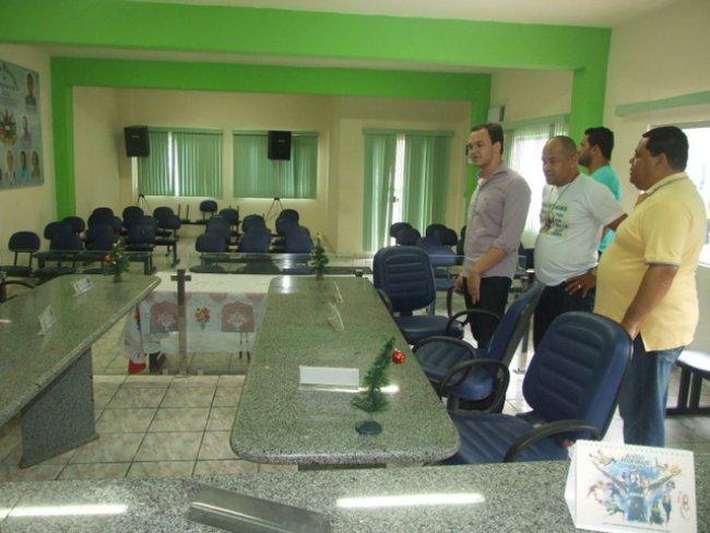 Uldurico visitou a Câmara de Vereadores, que passou recentemente por várias melhorias e ampliação.