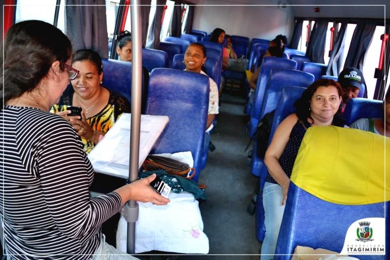 Pacientes viajam em ônibus confortável, e recebem alimentação durante o trajeto. (Divulgação)