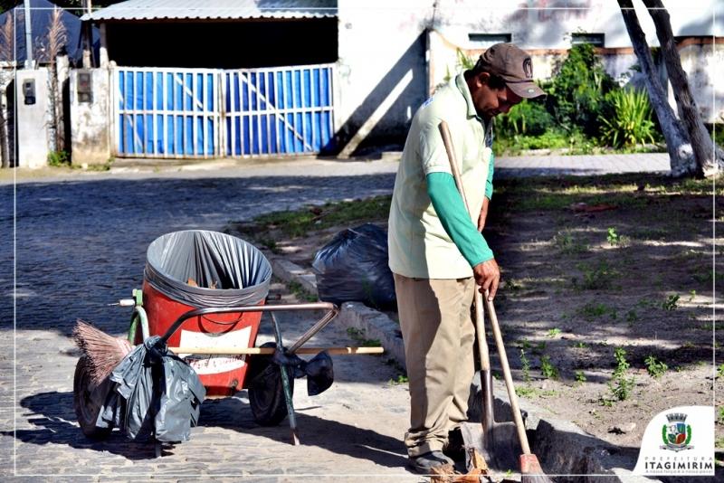 O objetivo é manter o máximo a cidade limpa para eliminar possíveis focos transmissores de doenças. (Divulgação)