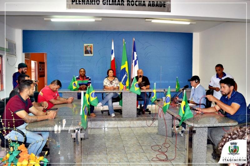 A cerimônia foi realizada no plenário da câmara de vereadores. (Divulgação)