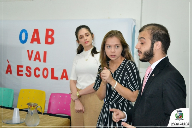 Os advogados, Dr. Leonardo David Sampaio, Dra. Bárbara Bindeli e Dra. Vilane Correia, explicaram para os docentes o objetivo principal do projeto. (Ascom)