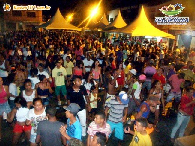 Muita festa, várias atrações musicais; valorizando em primeiro lugar os artistas da terra. (Ascom)