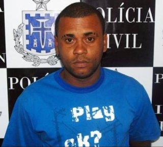 Fabiano, a vítima do homicídio, quando foi apreendido por tráfico de drogas (Foto: Reprodução da internet)