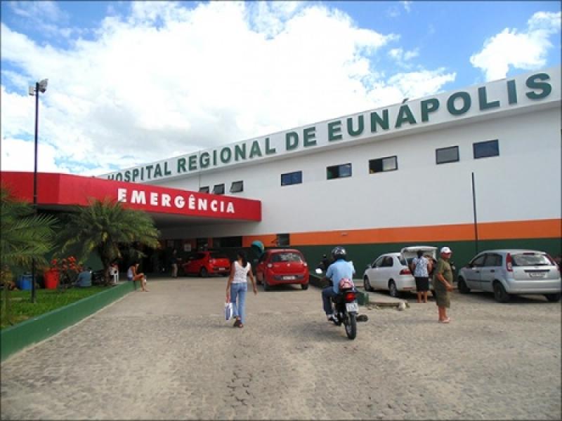 Feridos foram encaminhados ao Hospital Regional de Eunápolis. (Imagem: Reprodução)