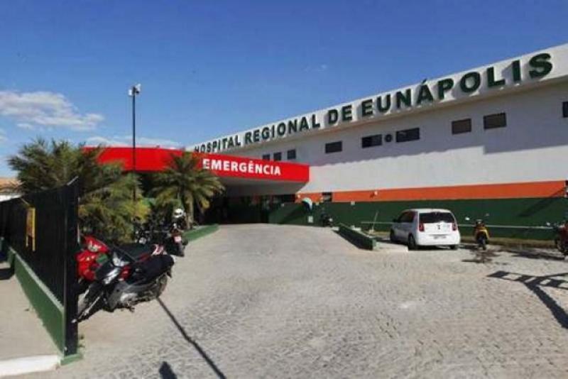 Vítima foi atendida no HRE em Eunápolis. (Imagem: Reprodução)