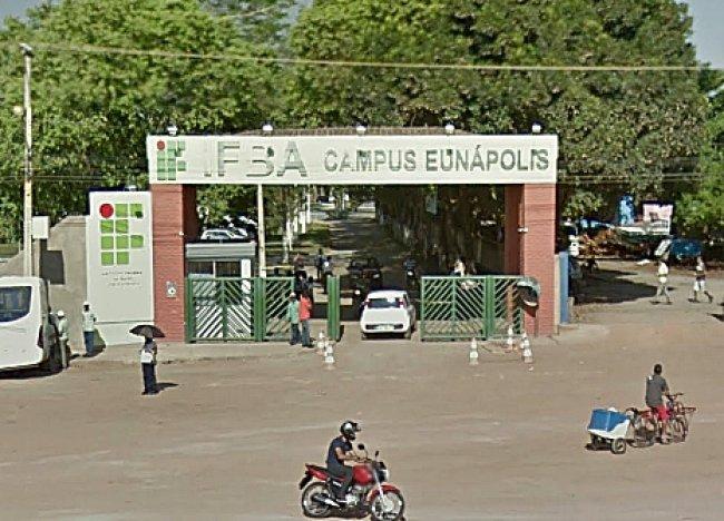 Mais de 1.200 alunos sofrem com a greve do IFBA em Eunápolis. (Imagem/Google)