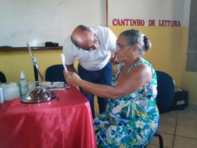 Moradores de União Baiana foram contemplados com os óculos e exames de vista gratuitos. (Foto: ASCOM)