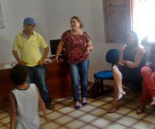 Em discurso, a secretária do Desenvolvimento Social, Wanderleia Ferreira, destacou a importância de a equipe trabalhar unida para a melhoria social em Itagimirim. (Foto: Divulgação)