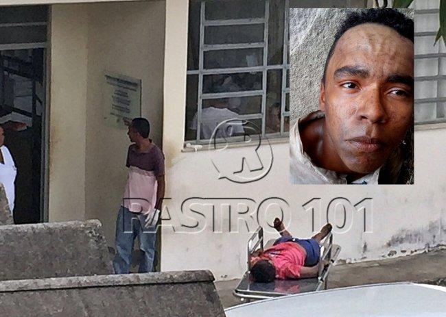 Corpo de um dos bandidos morto foi levado ao Hospital Municipal em Itagimirim. Na foto em destaque, foto divulgada pela polícia durante as buscas (Foto: Internauta/Rastro101)