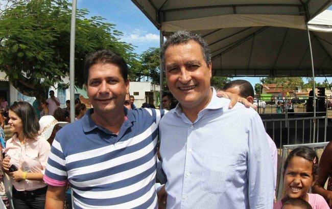 Prefeito Rogério Andrade acompanha governador Rui Costa durante visita à Caravelas-BA (Divulgação)
