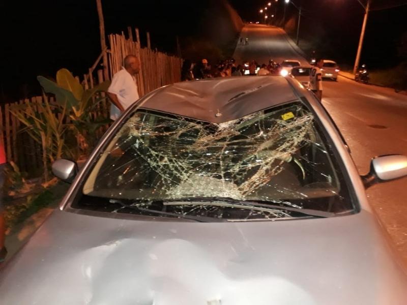Colisão violenta deixou um ciclista gravemente ferido. (Reprodução: Whatsapp)