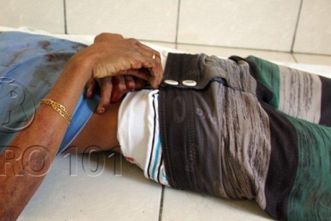 Um dos homens que foi morto não tinha envolvimento com o roubo, segundo a polícia, mas estava armado e ameaçou atirar contra os policiais. (Foto: Rastro101)