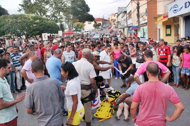 Acidente aconteceu na praça Castro Alves. (Foto: Rastro101)