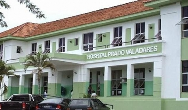Criança está internada em um hospital em Jequié. (Reprodução)