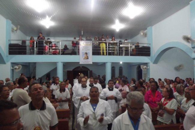Comunidade recebeu com alegria a chegada no novo padre. (Foto: Divulgação)