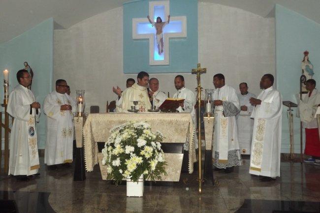 Santa Missa foi realizada na noite desta quinta-feira (29). (Foto: Divulgação)