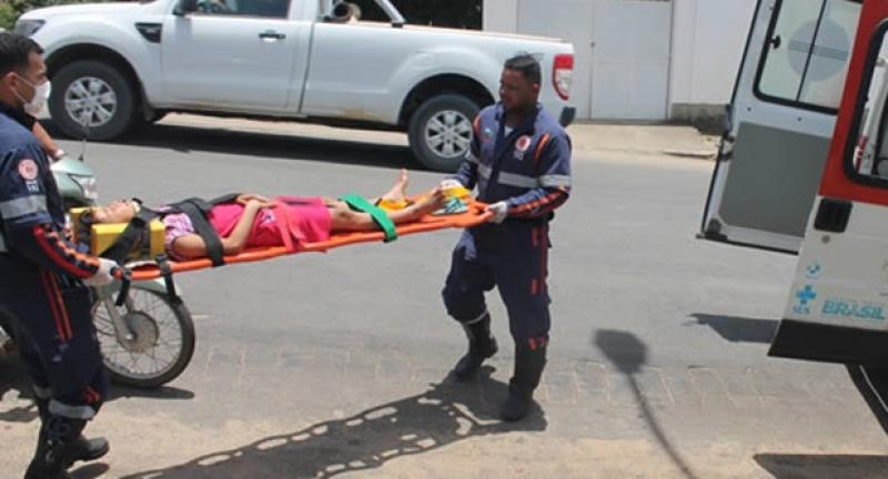 Criança foi socorrida pelo SAMU e enviada ao hospital. (foto do site Itamaraju Notícias)